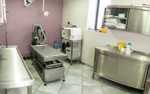 Salle d'opération de la clinique vétérinaire de la Tivollière